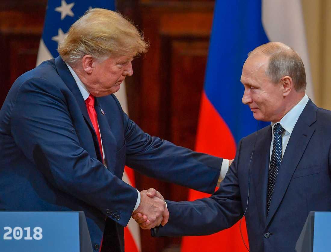 Donald Trump och Vladimir Putin under mötet i Helsingfors 2018.
