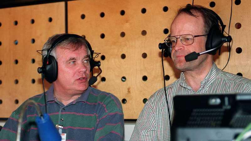 Även hockey har funnits på repertoaren. Här med Radiosportens expert L-G Jansson.