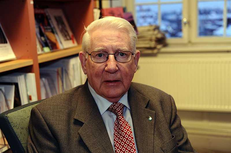 Thage G Peterson, 81, fd försvarsminister och partikollega till Lennart Bodström.