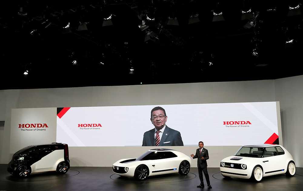 Honda presenterar tre nya mobilitetskoncept. Serien omfattar; Concept-i, som är ett fyrsitsigt fordon där artificiell intelligens kan läsa av förarens beteende och förutse hur det ska agera i olika situationer. Concept-i RIDE som är en mycket kompakt tvåsitsig modell för bl a funktionsnedsatta samt Concept-i WALK, ett lättanvänt personligt fordon för förflyttning bland fotgängare.
