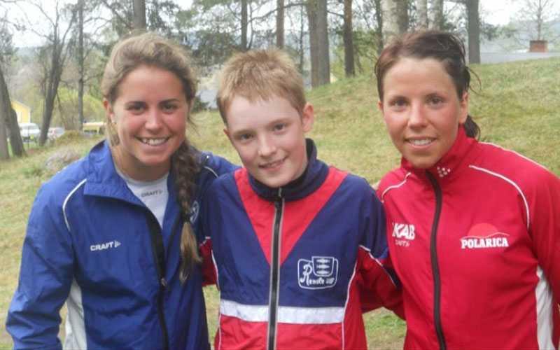 En ung Sebastian Samuelsson tillsammans med Charlotte Kalla och Anna Haag.