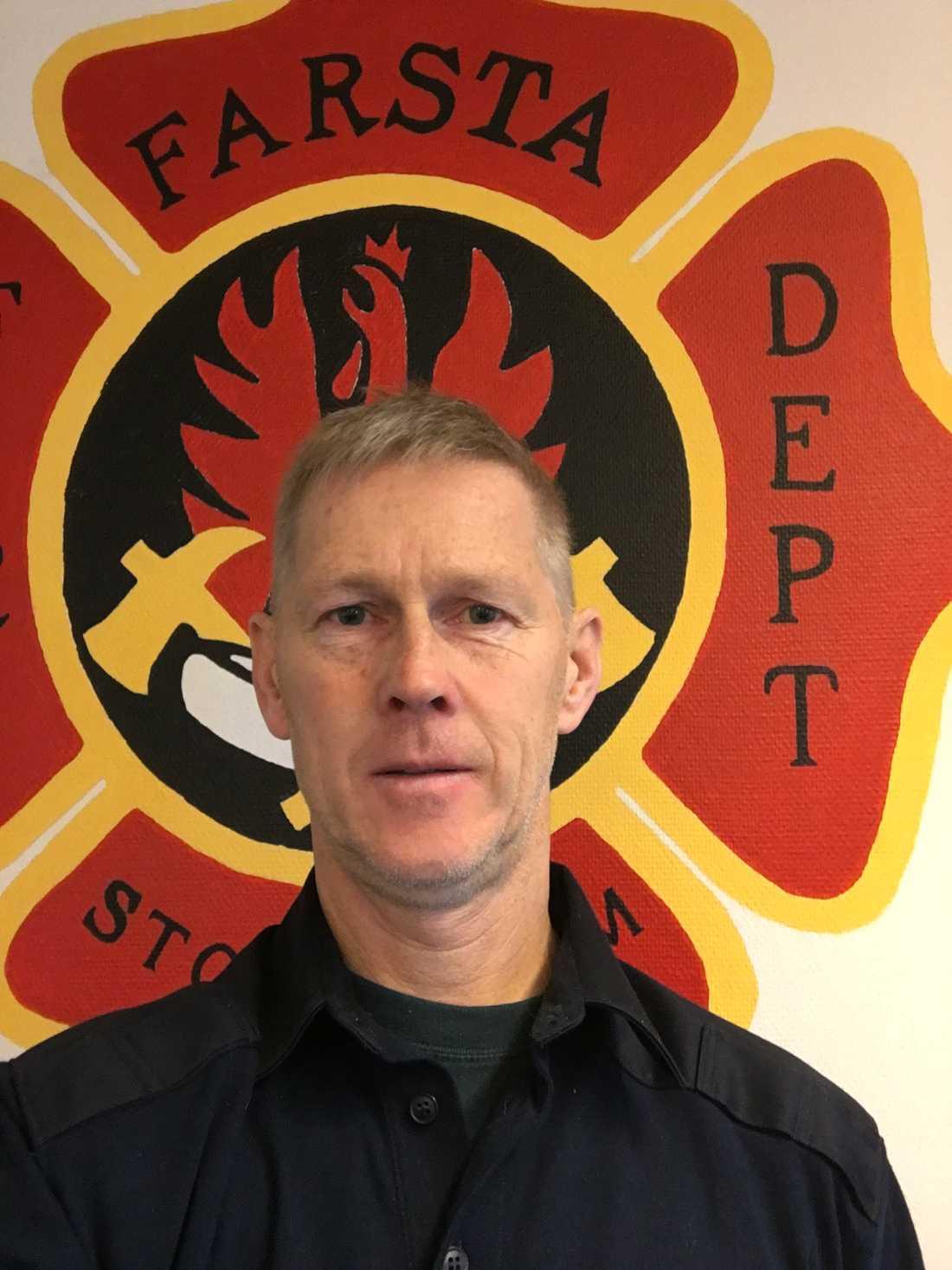 Brandmannen Sven Johnson, 60, är redo att åka till Australien.