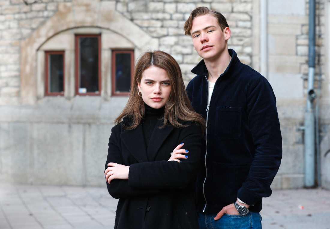 """Alva Bratt och Edvard Olsson är två av skådespelarna i SVT:s nya ungdomsserie """"Eagles"""", som har premiär 9 mars på SVT Play."""