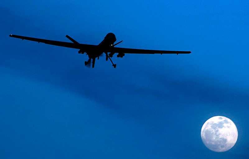 Den misstänkta terroristcellen slog ut av ett förarlöst flygplan, en så kallad drönare.