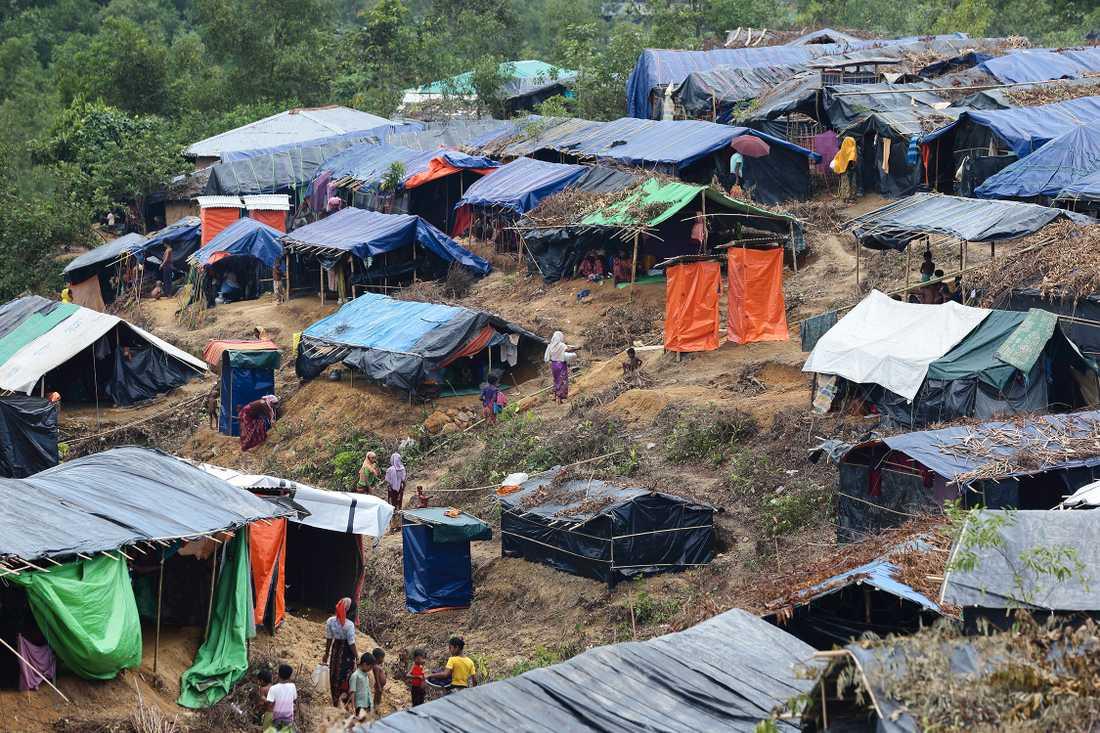 Flyktinglägret i Cox's Bazar i Bangladesh. Mer än 430 000 rohingyer har flytt över gränsen sedan augusti i år.
