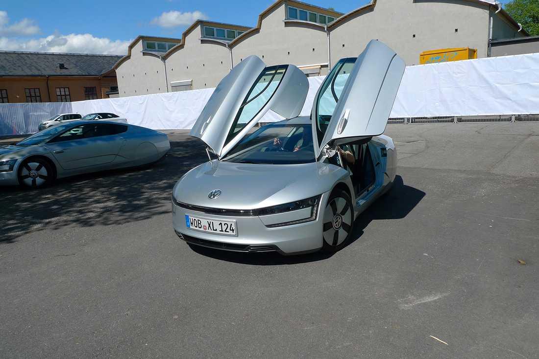 VW:s XL1 var en superexklusiv snålvarg och endast 250 exemplar byggdes. Prislappen låg på över en miljon kronor, så för den som ville ha en låg totalkostnad för sitt ägande – var den aldrig aktuell.