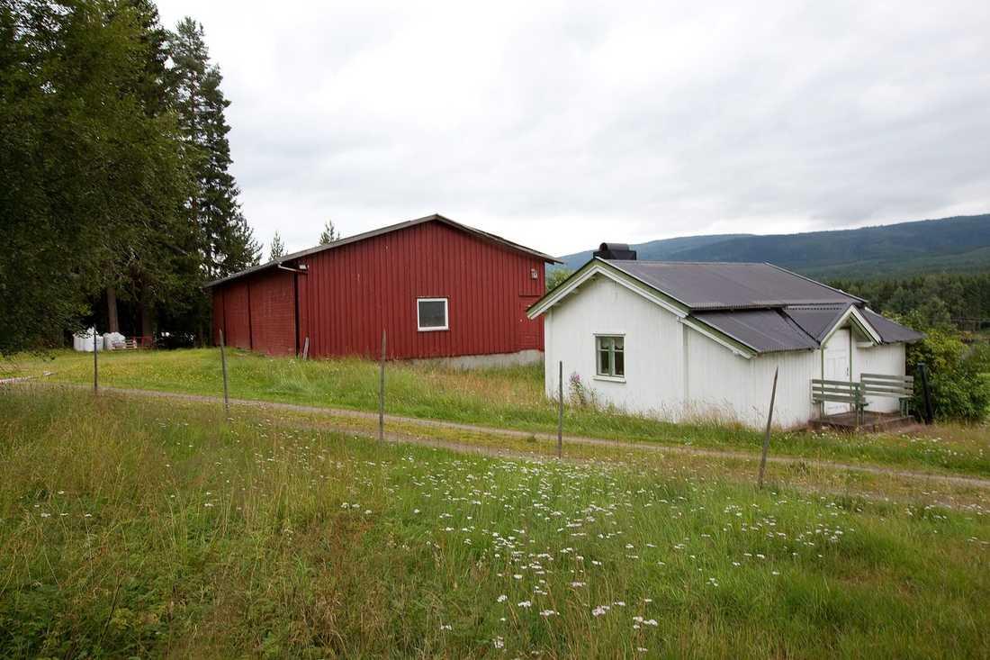 VILLE INTE BLI STÖRD Gården där Anders Behring Breivik bosatte sig i maj i år.