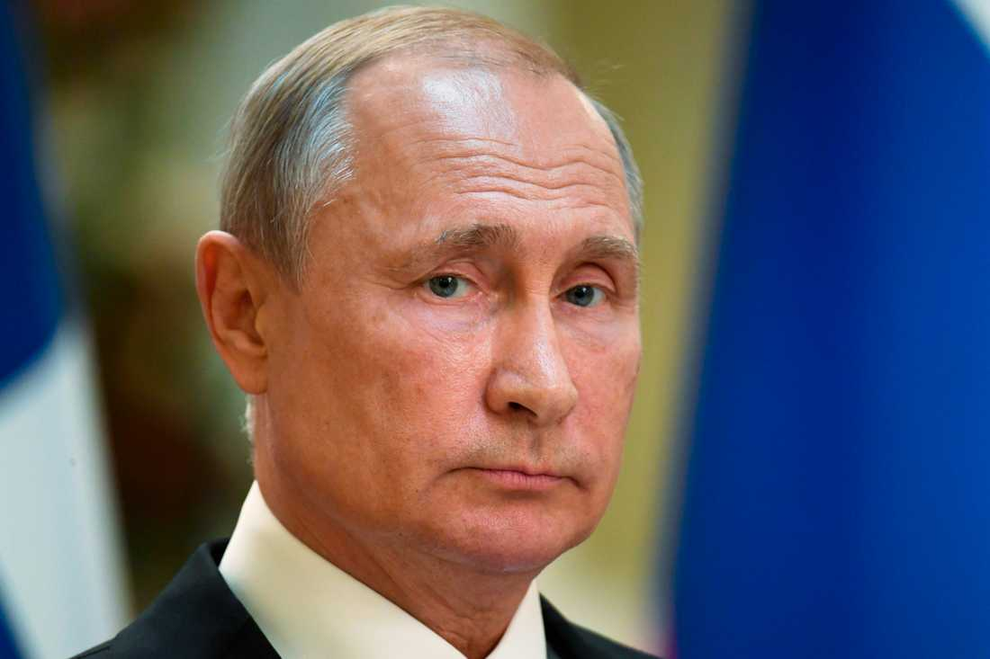 Rysslands president Vladimir Putin under en presskonferens med Finlands president Sauli Niinistö i Helsingfors.