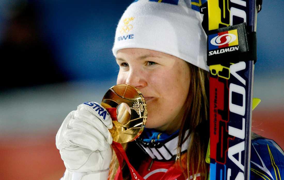 2006 I Turin kommer så det första (och enda) guldet i OS. Guldet bärgas i slalom.