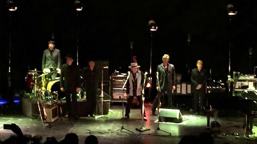 Bob Dylan under söndagskvällens spelning på Stockholm Waterfront.