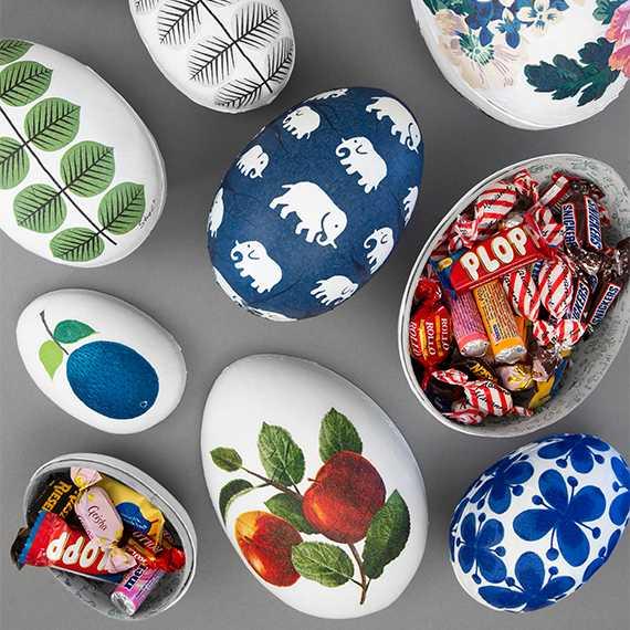 Påskpyssel: Snygga designerägg som du enkelt gör av gamla servetter.