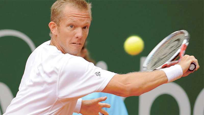 Tomt på läktaren Om Thomas Johansson hinner bli frisk till Davis Cup-matchen mot Israel får han spela utan publikens stöd.