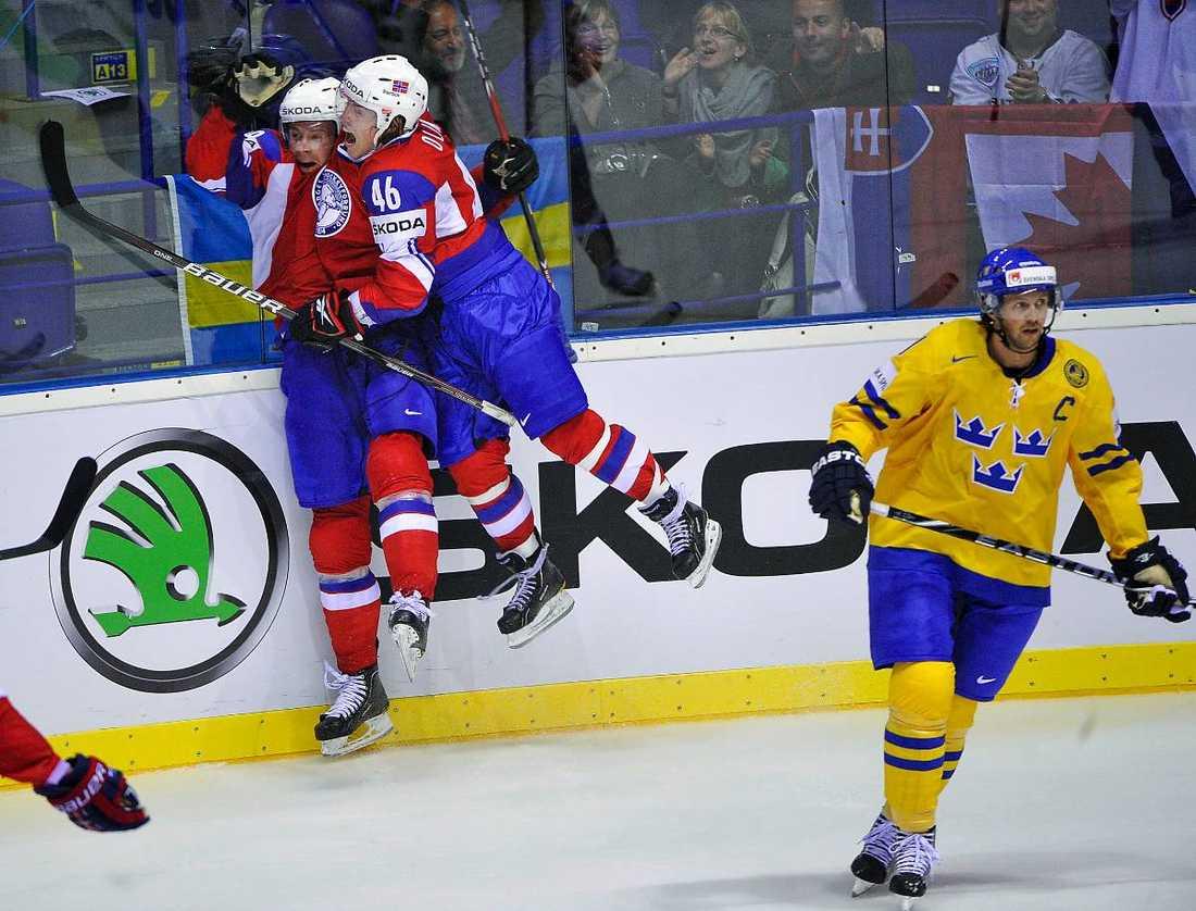 VM-feber I morgon drar VM-turneringen igång. Tre Kronor ställs mot Norge i öppningsmatchen.