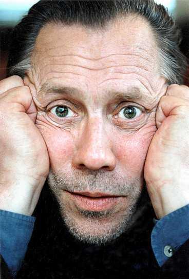 JOBBADE IN I DET SISTA Så sent som i lördags kväll hoppades Totta Näslund på att kunna uppträda. En spelning i hans uppväxtort Köpmanholmen var bokad. I går morse avled han.