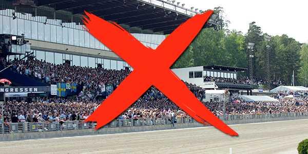 Tomma läktare på Solvalla under Elitloppet. Då senareläggs finalen till 20.30.