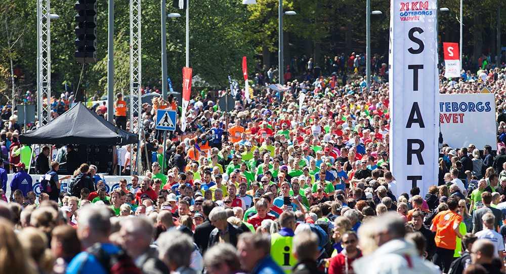 Göteborgsvarvet brukar locka runt 60 000 löpare och är ett av världens största långlopp.