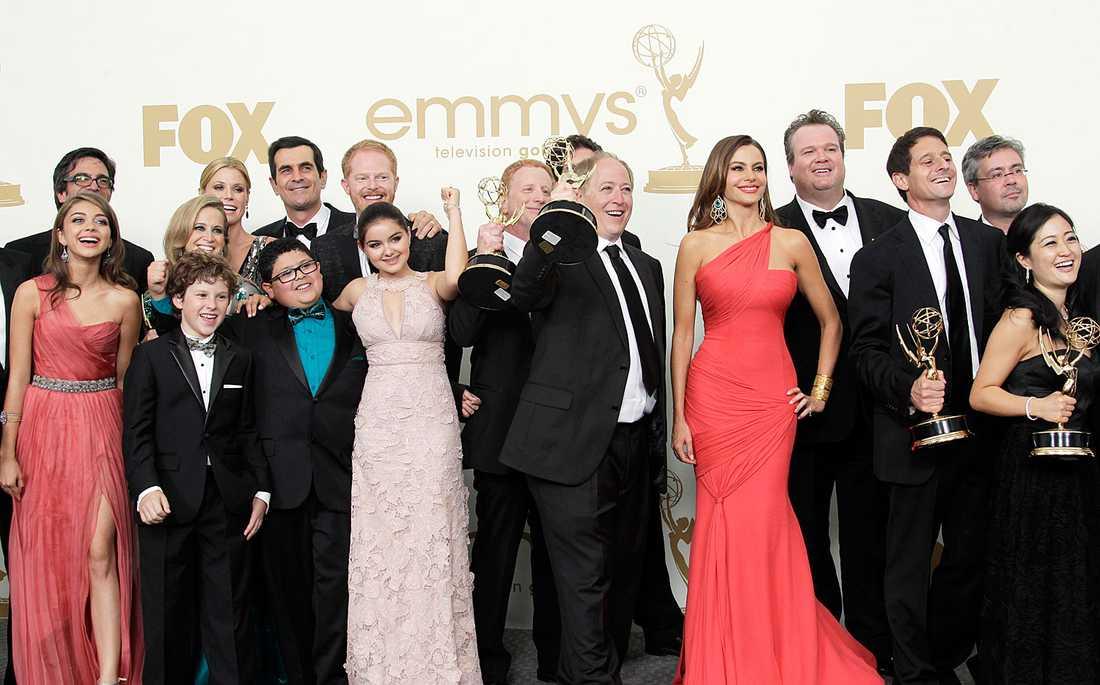"""Hela gängen från """"Modern family"""" – som tog storslam på nattens Emmy-gala."""