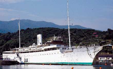 Gick till botten i natt Stella Polaris byggdes 1926–27 på Götaverken i Göteborg för norska ägare och gick under de följande åren i lyxkryssningstrafik världen över. Hon uppges under storhetstiden ha korats till världens vackraste fartyg.