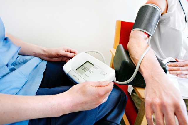 En tredjedel –så många av Sveriges vuxna befolkning lider av högt blodtryck, hypertoni.