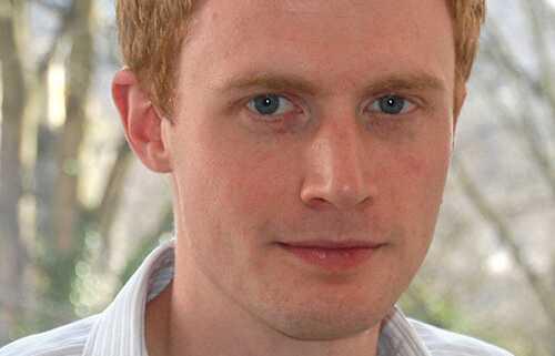 """Epidemiologen och matematikern Adam Kucharski har skrivit """"Smitta""""."""