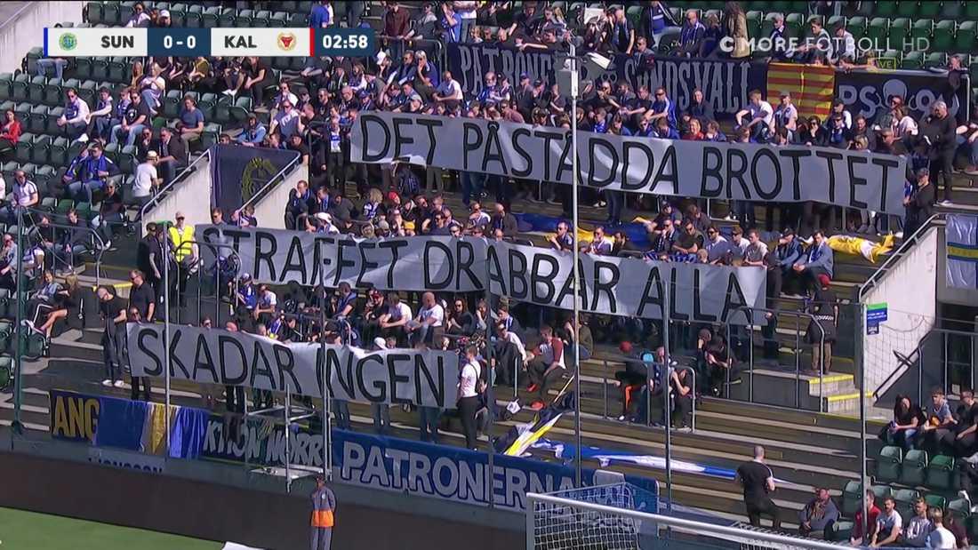 Sundsvalls-fansens protest mot polisens förbud hemma mot Kalmar.