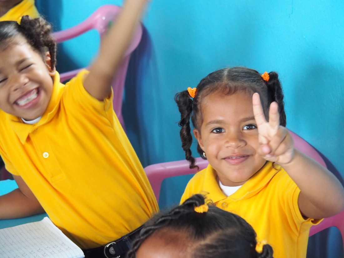Att flickor också får gå i skolan är viktigt för utvecklingen av alla länder.