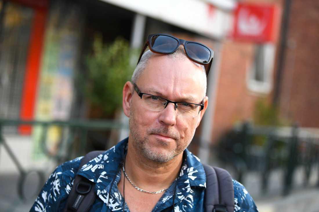 Jonas Christoffersson på platsen där en 30-årig kvinna sköts till döds på öppen gatan i stadsdelen Ribersborg i Malmö.