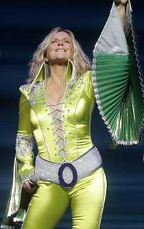 Gunilla Backman är en av rollinnehavarna i Melodifestivalens musikal.