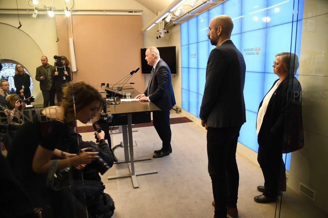 Vänsterpartiets partiledare Jonas Sjöstedt i riksdagens presscenter.