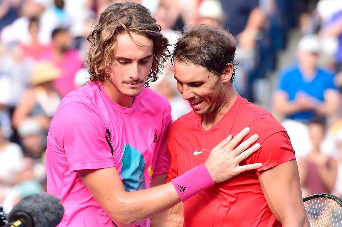 Rafael Nadal, till höger, och Stefanos Tsitsipas tackar varandra efter finalen i Toronto.