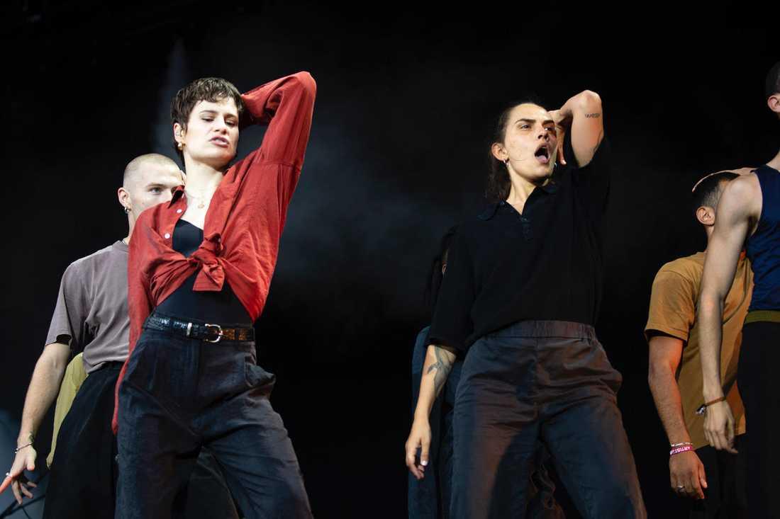Christine & The Queens spelningar hamnar ofta i skarven mellan konsert och teater.