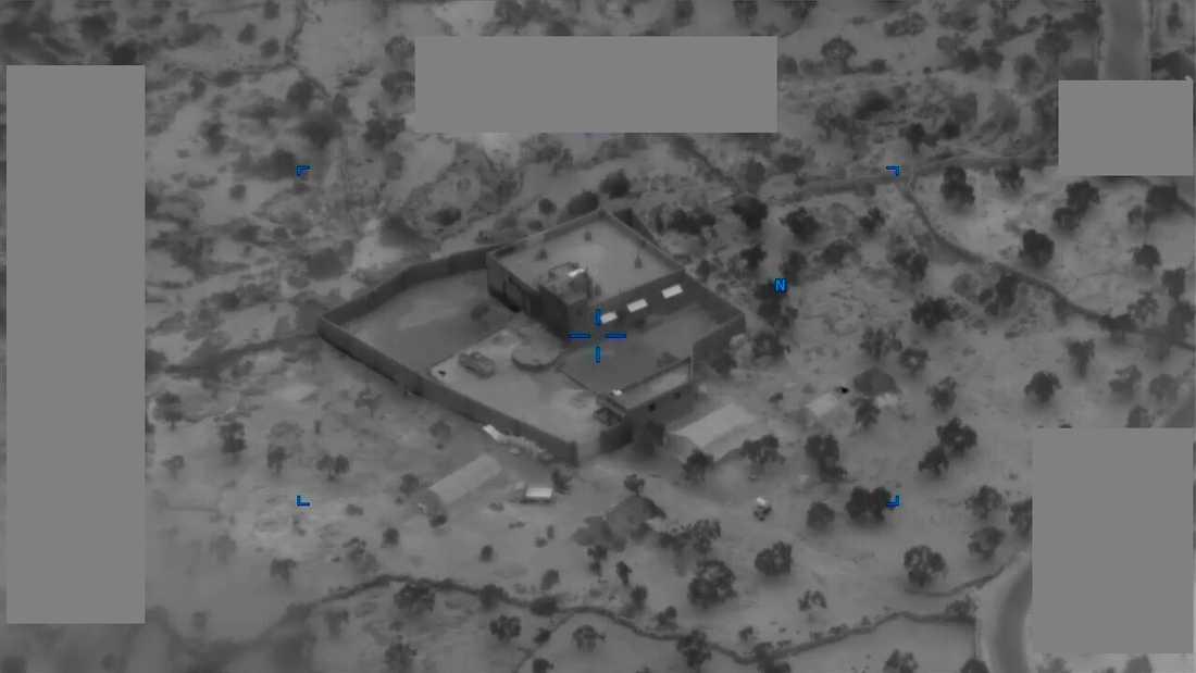 Pentagon har släppt bilder från räden.