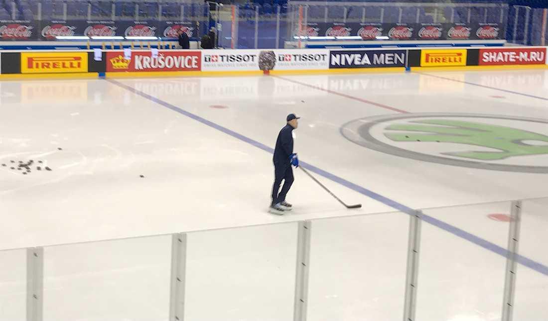 Rikard Grönborg på värmningen