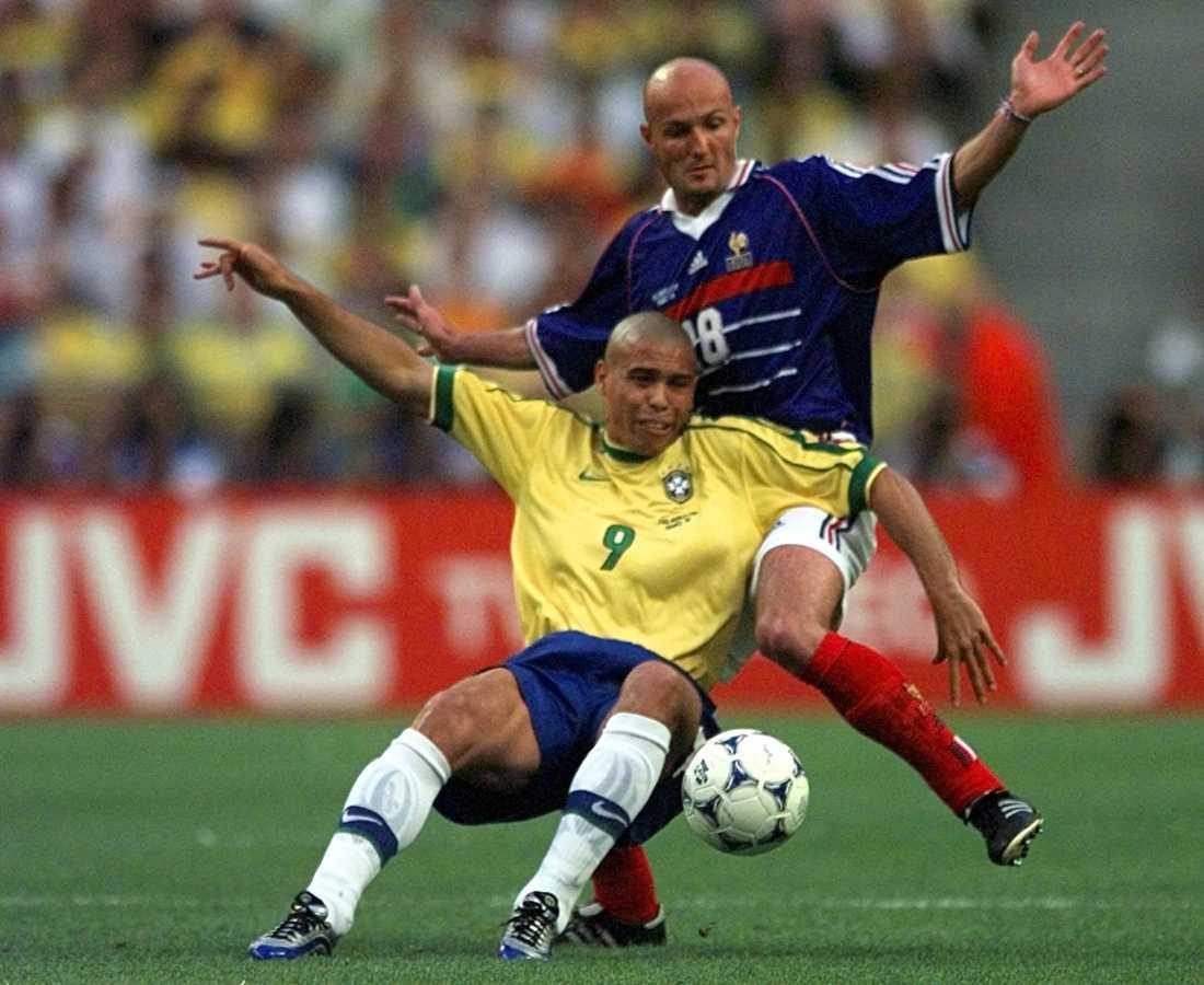 Franck Leboeuf i kamp med Ronaldo.