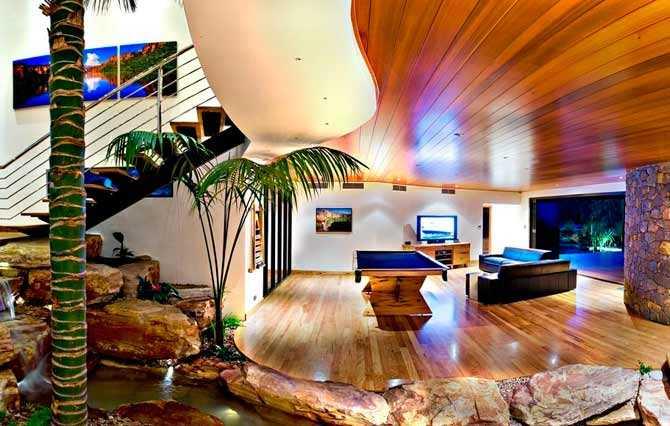 """TRUE NORTH ASHORE På en kulle vid Eagle Bay, söder om Perth i västra Australien, ligger det här hotellet med utsikt över Indiska oceanen. Hela hotellet går i samma färgnyanser som den röda sanden i Australiens """"outback"""". Prisläge: 400-550 euro/natt. www.truenorthashore.com"""