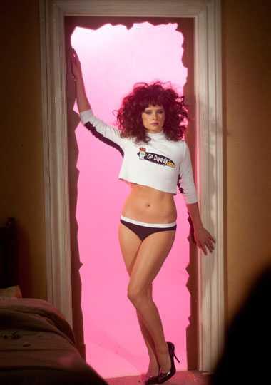 Danica Patrick i en TV-reklamfilm inför Super Bowl.