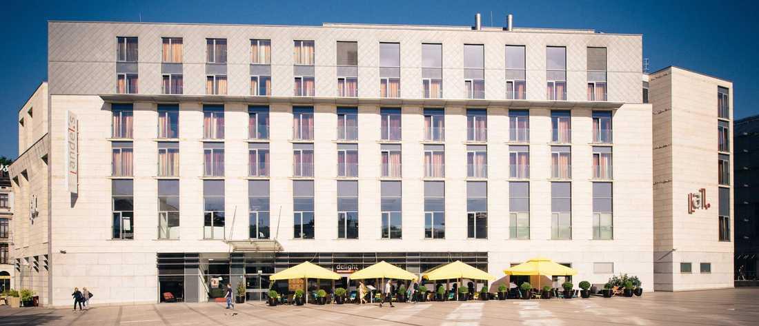 Bland annat har Hyresgästföreningens stjärnvärvare rest till Krakow.