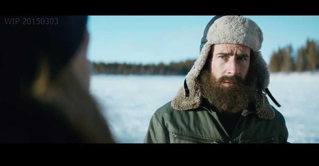 """Ola Rapaces skägg spelar en central roll i filmen. Mer vill inte Martina Haag avslöja - men de tvekade aldrig att välja Rapace för rollen. """"Man måste kunna prata norrländska och kännas självklar i den lite machoartade kulturen, med snöskotrar, isvakar och renar"""", säger hon."""