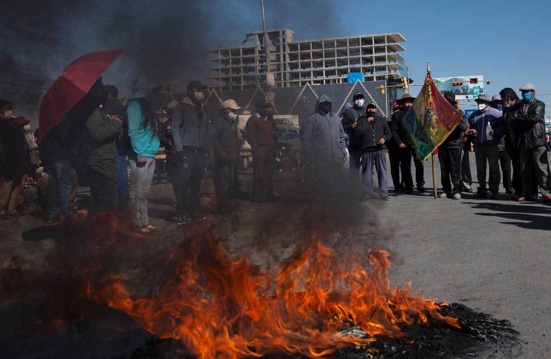 Demonstrationerna i El Alto och Cochabamba blev våldsamma, enligt lokala medier.