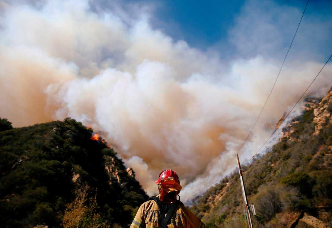 Bränder i Malibu norr om Los Angeles.