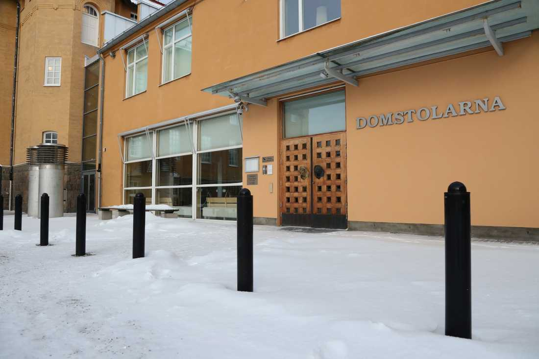 Tingsrätten i Linköping.
