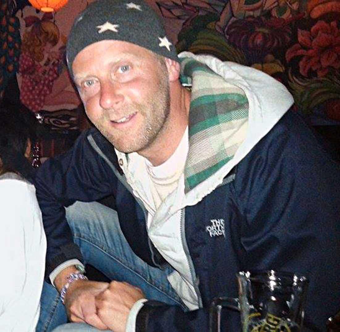 Per-Niklas Häll, 37, hamnade mitt i kaoset på Vanuatu efter cyklonen Pam.