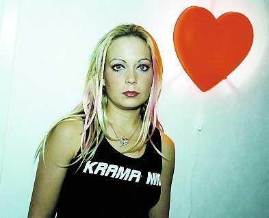 Ett hål i mitt hjärta (2004) sågs av 25 602 personer.