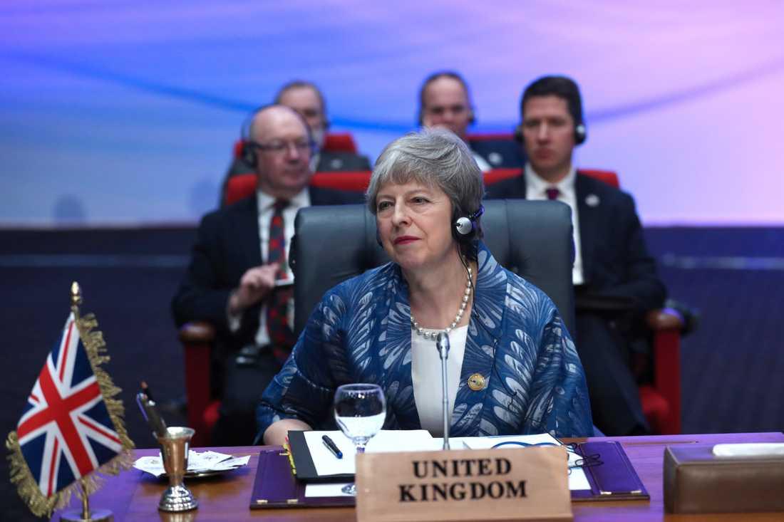Storbritanniens premiärminister Theresa May på toppmöte med EU och Arabförbundet i egyptiska Sharm el-Sheikh.