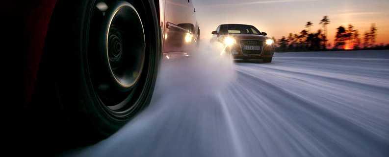 Dubbade däck på vinterväglag minskar risken för dödsolyckor med 42 procent jämfört med odubbade däck, visar Trafikverkets senaste studie. Foto: Lasse Allard