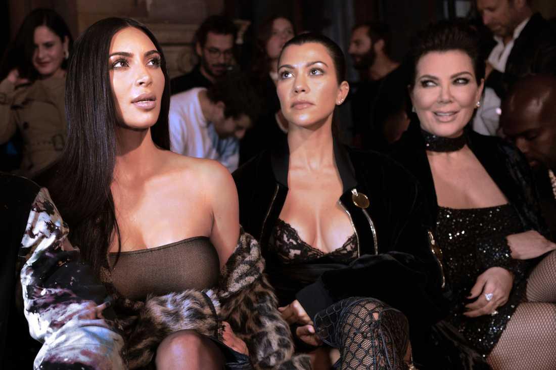 Kim Kardashian, Kourtney Kardashian och Kris Jenner.