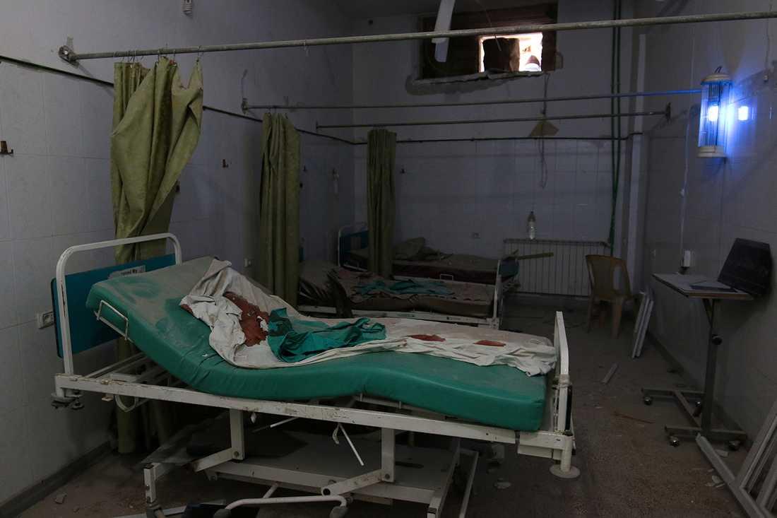 Ett sjukhusrum i Aleppo skadat av bombattacker.