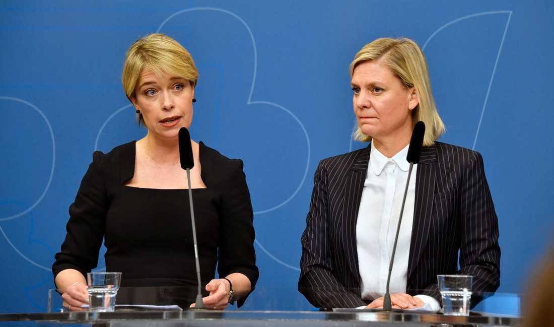 Socialminister Annika Strandhäll och finansminister Magdalena Andersson om Nya Karolinska i Solna.