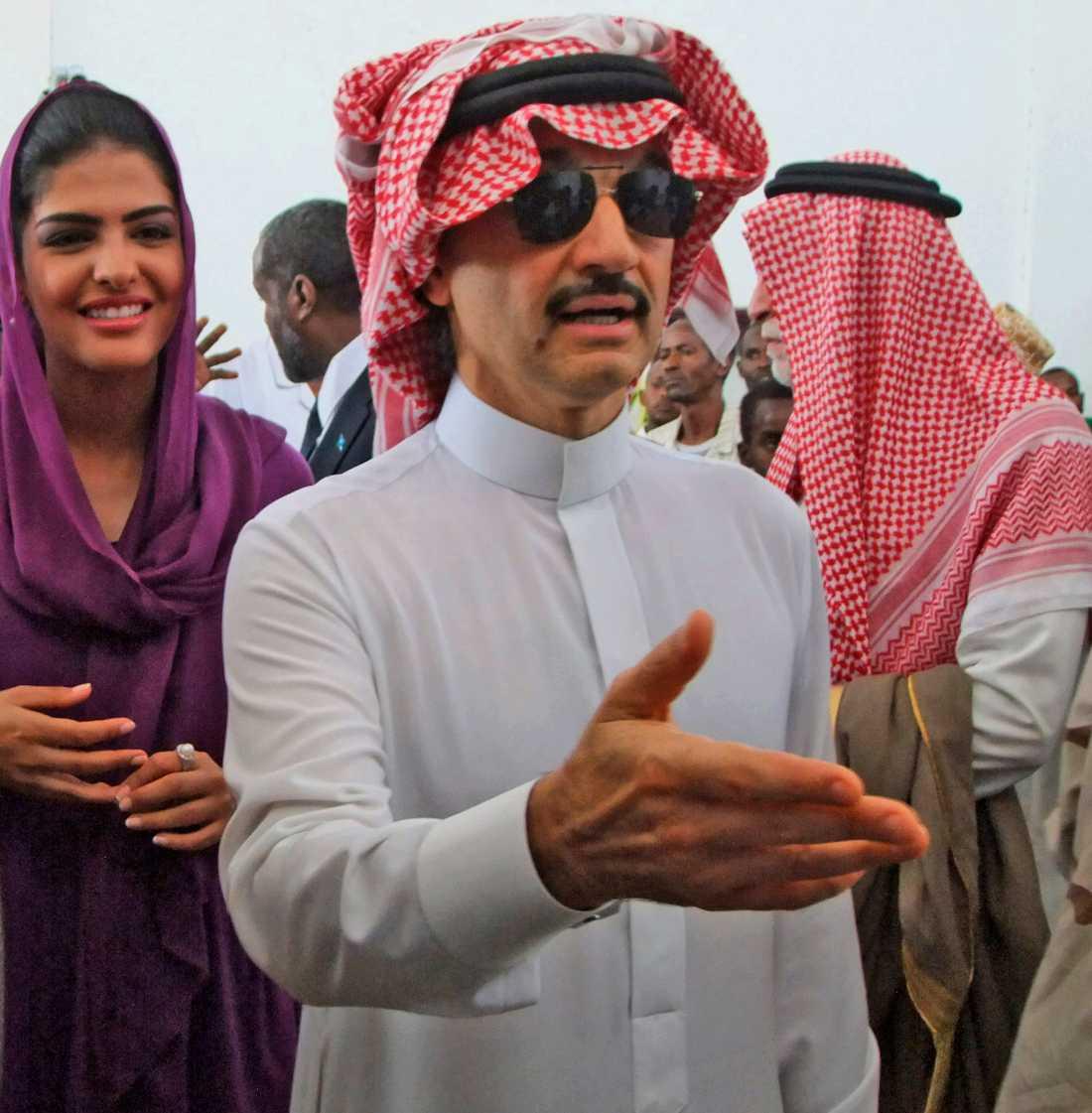 Prins Al-Waleed bin Talal, brorson till Kung Salman, är en av de elva prinsar som ska ha gripits.