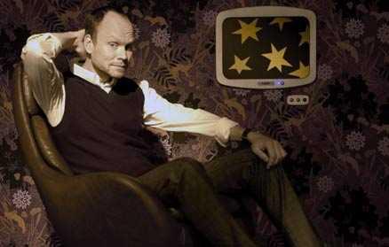 VIDEOKVÄLL Här är studion där Kristian Luuk tittar på video ihop med sina gäster i nya SVT-programmet i höst. Foto: ELISABETH OHLSSONWALLIN/SVT